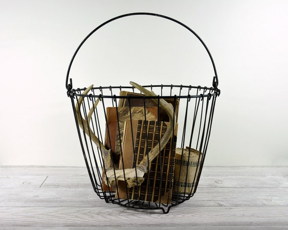Vintage Rustic Wire Egg Basket / Industrial Storage