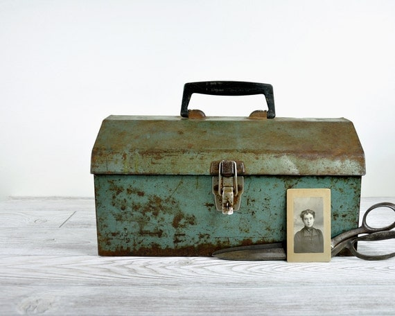 Vintage Rustic Metal Tool Box / Green Tackle Box / Industrial Storage