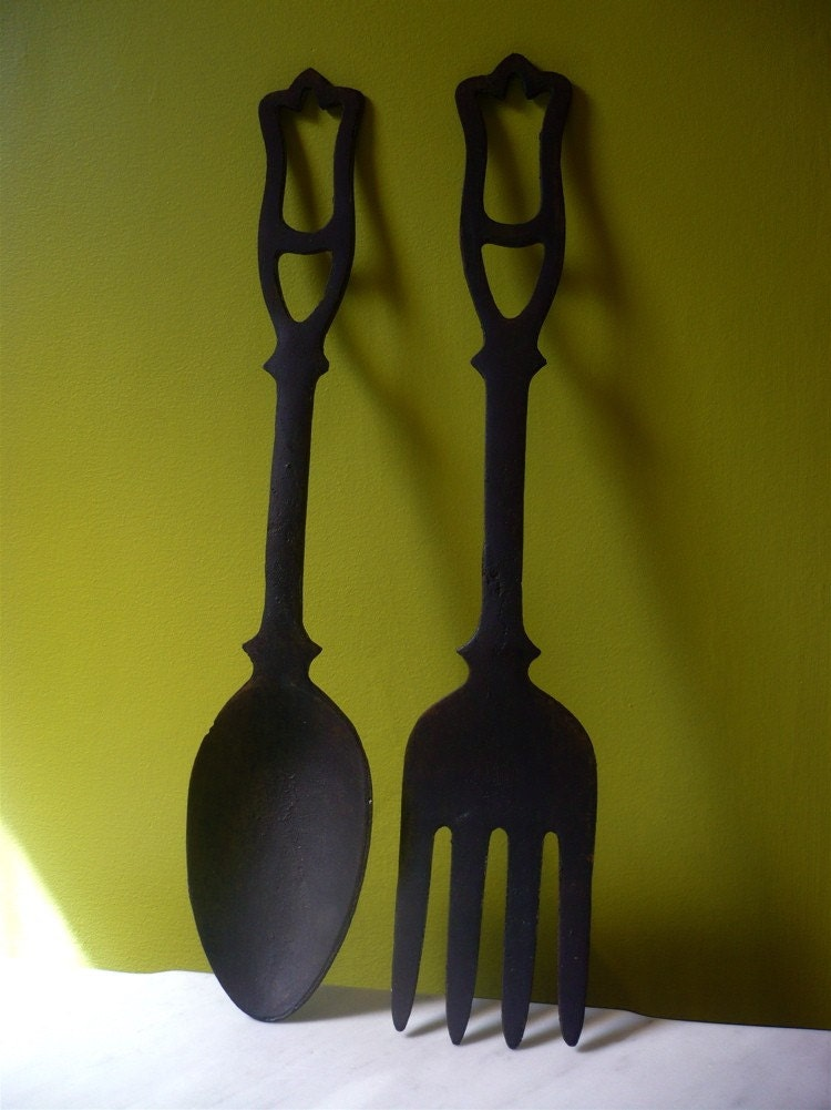 large cast iron fork and spoon wall decor. Black Bedroom Furniture Sets. Home Design Ideas
