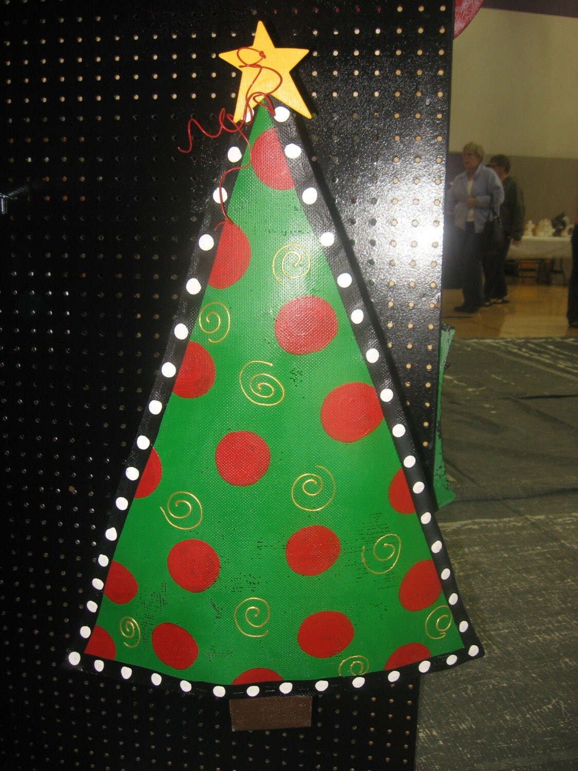 Triangle Christmas Tree door decor red/green