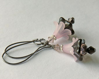 Pink and Black Floral Earrings, Vintage Style, Flower Earrings, Valentine's Day - Victorian Boudoir