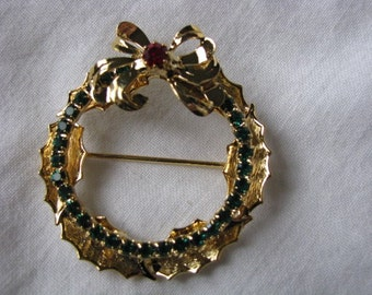 Vintage Christmas Wreath Brooch pin with red green colored crystals