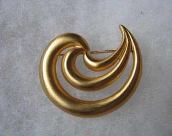 Anne Klein vintage brushed gold tone swirl design pin brooch