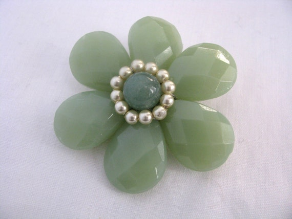 Pale green flower pin with faceted petals & faux pearl ring center