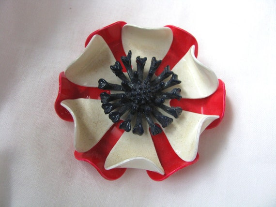Red & white layered enamel flower pin brooch with blue raised center