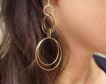 Gold Hoop Earrings - Geometric Shaped Earrings - Interlinking Circles - Cosmic Connection