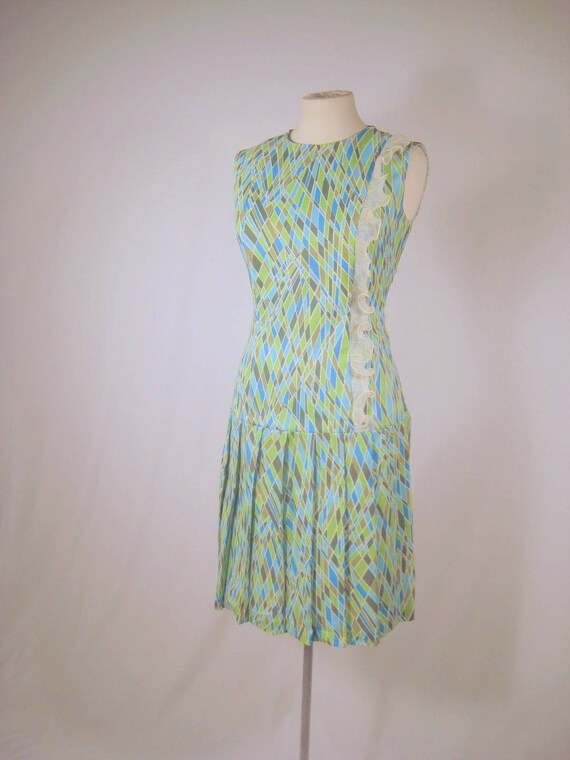 SALE.  vintage 60's psychedelic pleated dress with organza accordion pleat ruffle trim