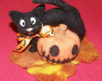 Halloween Say Cheese Black Cat with Jack O Lantern Needle Felted Wool