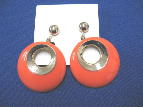 Vintage Sarah Coventry Earrings...Bold Gypsy..In Gold Tone...From 1967...Excellent Condition....Proceeds to be Donated