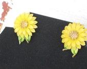 Vintage TRIFARI earrings yellow floral enamel