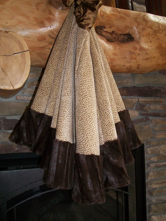 FREE SHIPPING Stunning Faux Mink Reversible Christmas Tree Skirt 2012 Collection