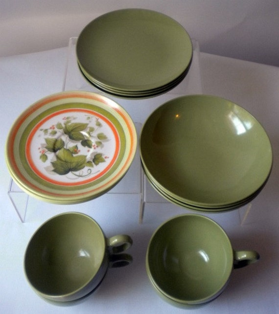 Vintade Oneida Green Melamine Brunch Set