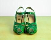 vintage heels- 1940's EMERALD peep toes