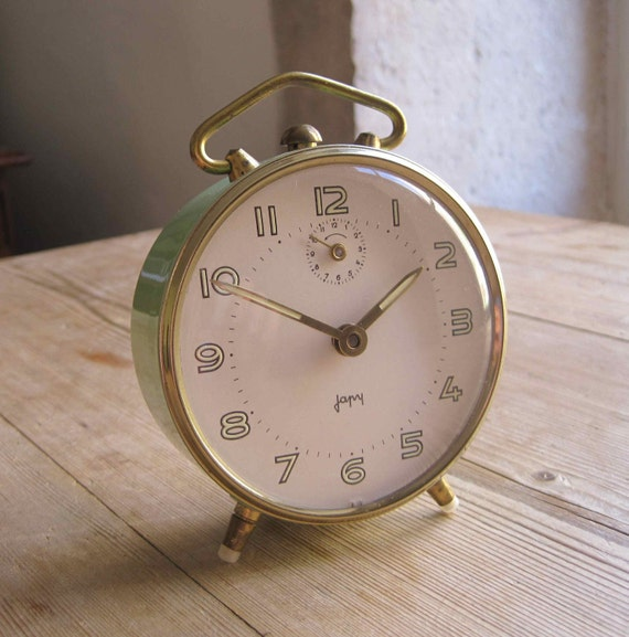 Reserved for KOOSHKA - Very pretty French vintage Japy alarm clock in good working order, pale green