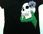 I want your skull tee - zombie hand - purple rose