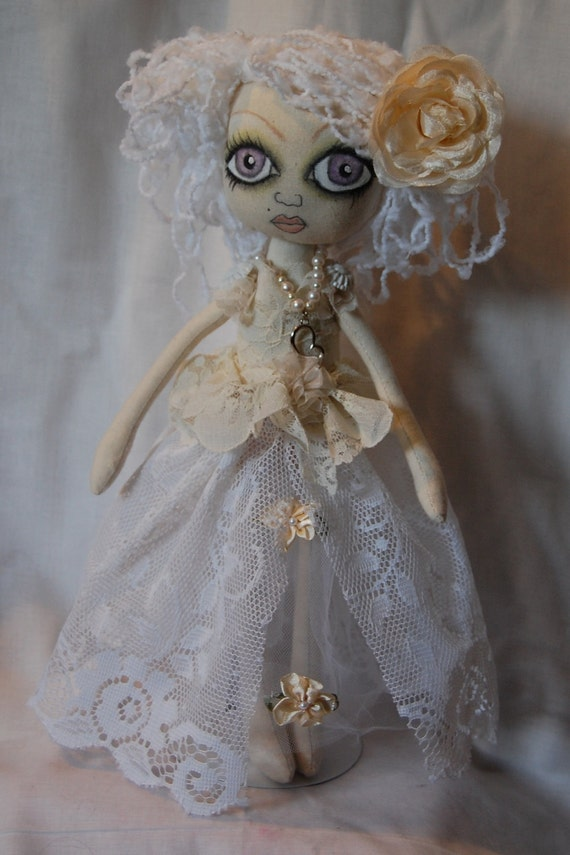 Annabelle, A cute Fantasma Bride Cloth art Rag Doll ooak