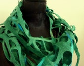 Emerald Green Wool Scarves.Felt Scarves on Etsy. Winter Woven Scarf. Luck of the Irish