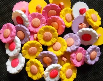 25 pcs Cute flower shank button size 17 mm