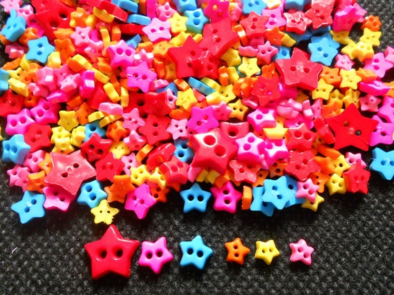100pcs   Cute Star Tiny Buttons 2 Holes  Mix Size