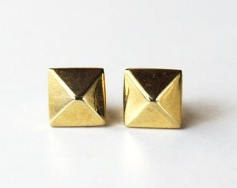 pyramid stud earrings (yellow gold dipped)