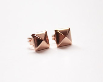 Pyramid stud earrings (14K rose gold dipped)