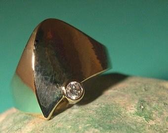 EDGE DANCER, Womens 14k Gold and Diamond Ring