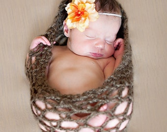 Nest Wrap Baby Bowl Newborns Photo prop in BROWN / Photography Egg Basket Cocoon Wrap / Photo Shoot Babies GIFT Newborns New Baby Photo