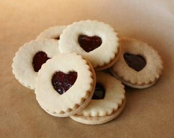 Linzer cookies strawberry raspberry 12 pieces linzer kekse guezli