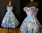 Killer 1950's designer Maya de Mexico Hawaiian style new look strapless novelty print sun dress vlv tiki - size Small