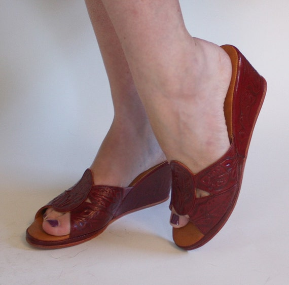 DEAD STOCK vintage Deep Red Leather Tooled Mexican Platform Mules or Size 7 & 1/2