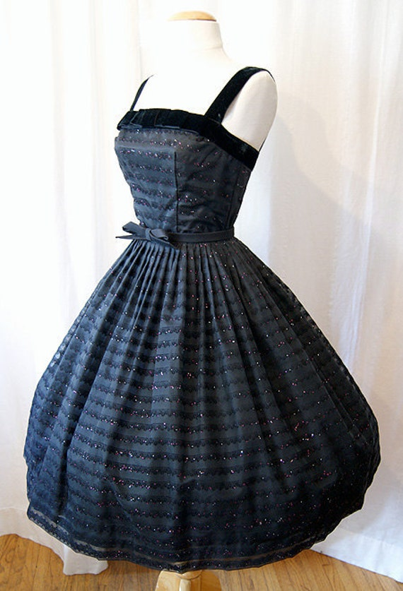 On hold Dazzling 1950's new look party prom dress with velvet trim and sparkles  cupcake princess  bombshell -  Extra Small