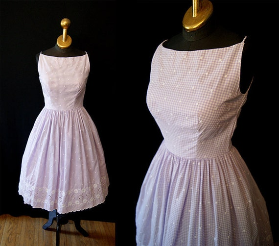 Sweet 1950's Lanz Original lavender gingham summer sun dress with white lace embroidery vlv spring rockabilly - size Medium to Large