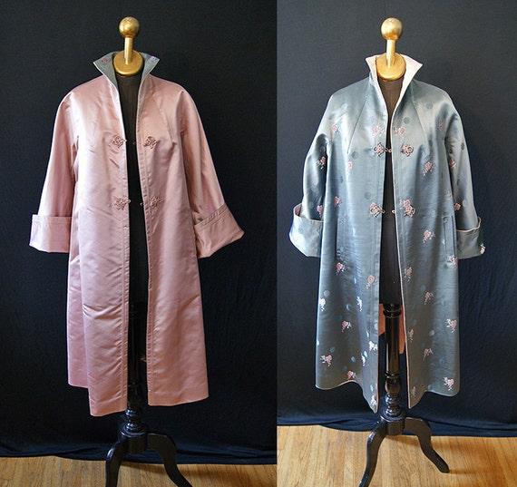 Glamorous 1950's reversible pink and gray silk satin brocade swing coat vlv chic show stopper - size Medium