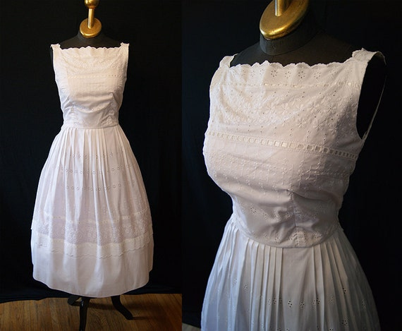 Summer wedding 1950's white cotton eyelet sun dress vlv pin up girl - size Medium
