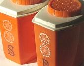 Orange Salt and Pepper Shakers, Retro 1970s Salt and Pepper, Plastic Salt and Pepper, Vintage Shakers