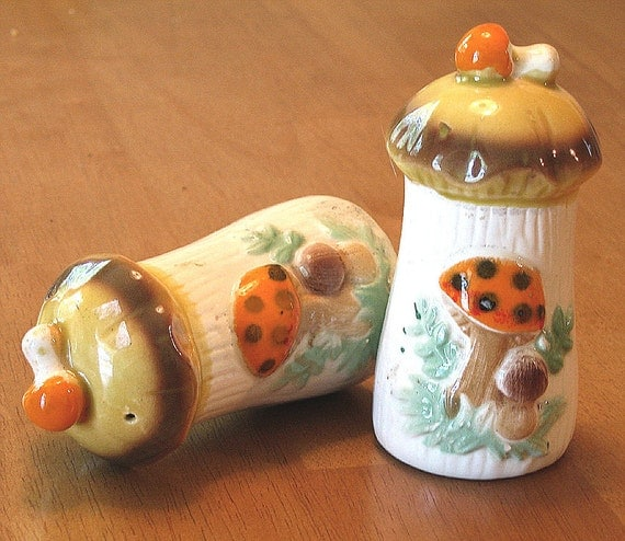 Retro Mushroom Salt and Pepper Shakers Vintage Ceramic