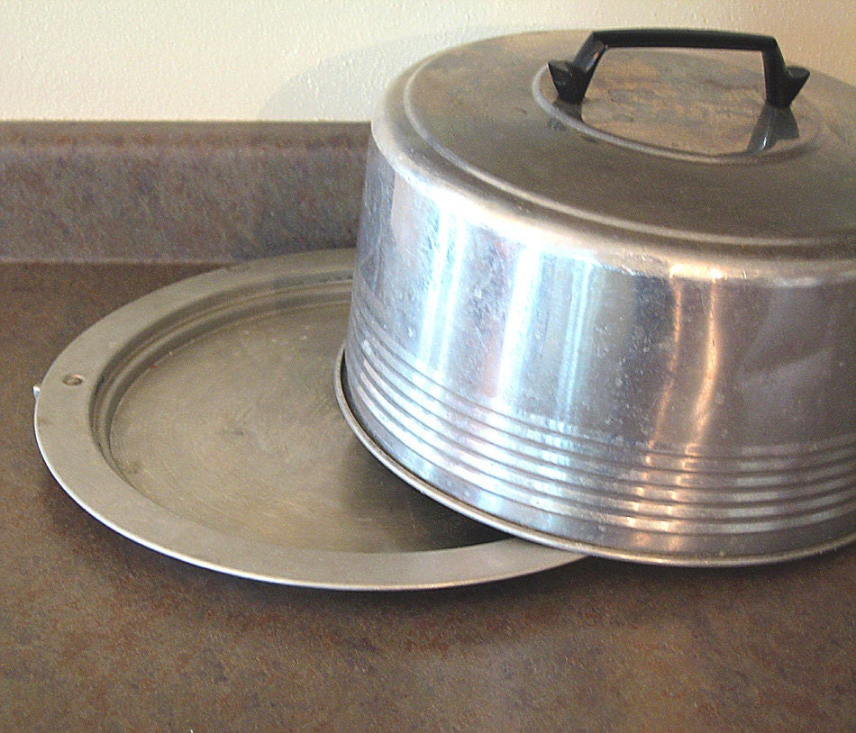 Aluminum Cake Carrier Keeper Storage Vintage Regal By
