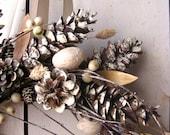 Holiday Wreath - Christmas Wreaths - Winter Decor - Scandinavian Decor - Pine Cones - Natural