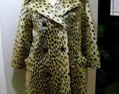 Vintage Leopard Print Faux Fur Coat // Animal Print // Double Breasted