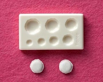 Miniature round macaron mold / mould. Floree miniature food molds. Seven sizes of macarons in one mold