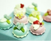 8 Sweet Mini Cake in Pink and Blue