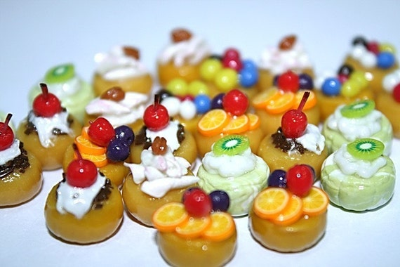 25 pieces of Mini Cupcake, Cute and Yummy , Fine details