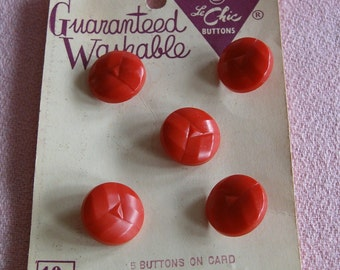 Vintage Molded RED ROUND BUTTONS Set of 5 West Germany Le Chic La Mode Original Card Unused 1940s Sewing Notion Clothing Embellishment Craft