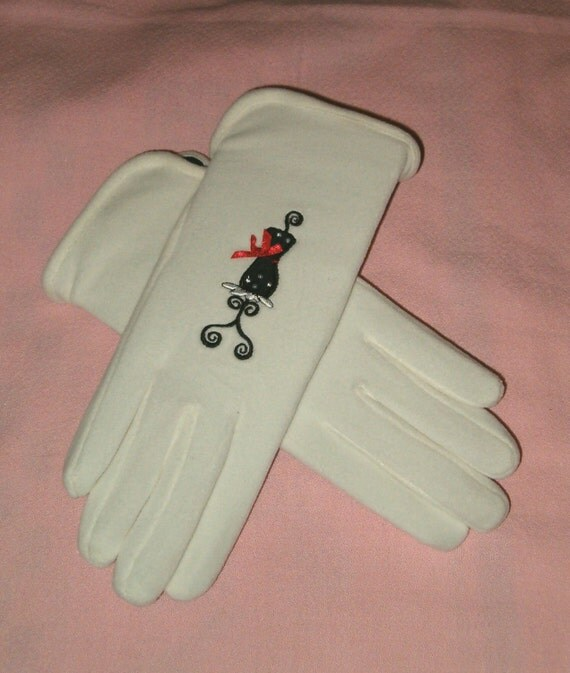 Isotoner Ladies Fleece GLOVES Black Red Bow Ribbon Embroidered Victorian Lady DRESS FORM Mannequin Unused Embroidery Nos Winter White Aris