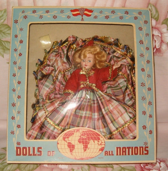 Vintage 1940s Duchess Dolls of all Nations in Box 7 1/2 inch Sleep Eyes Scotch Scottish Scotland Girl with Red Plaid Dress