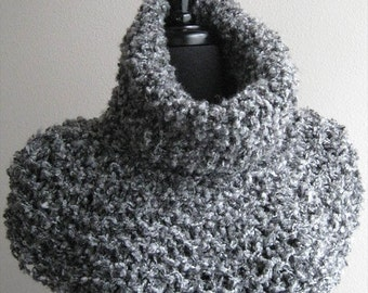 Light Gray Color Chunky Boucle Knitted Acrylic Texture Yarn Turtleneck Capelet Cowl