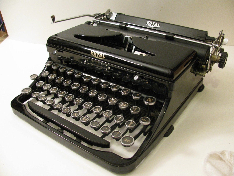 Sale Gorgeous 1936 Royal Portable Manual Typewriter And Case