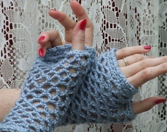 Fingerless gloves in lovely blue, stylish for every occasion