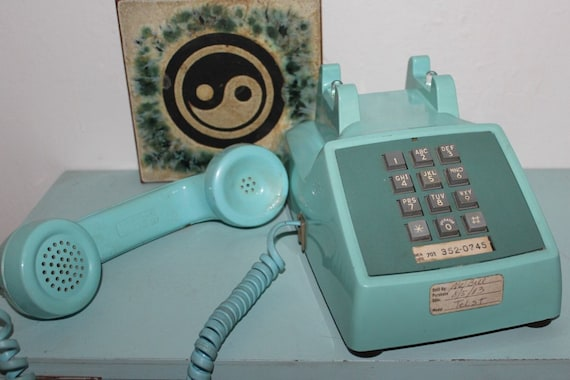 Push Button Phone - Bell Western Electric Aqua 2500 DM Table Phone - WORKS