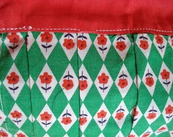 Vintage Green and Red Apron